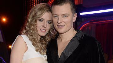Rafał Brzozowski rozstał się z narzeczoną po ośmiu latach związku. Opublikował oświadczenie. Ona trzyma kciuki za Eurowizję