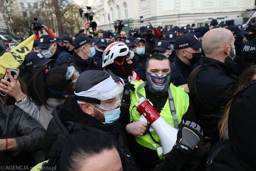 Warszawa. 11 rocznica katastrofy smoleńskiej