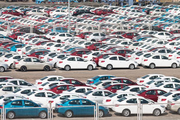 Prywatnie Polacy kupują głównie auta używane