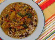 Warzywne curry z ryżem i groszkiem - ugotuj