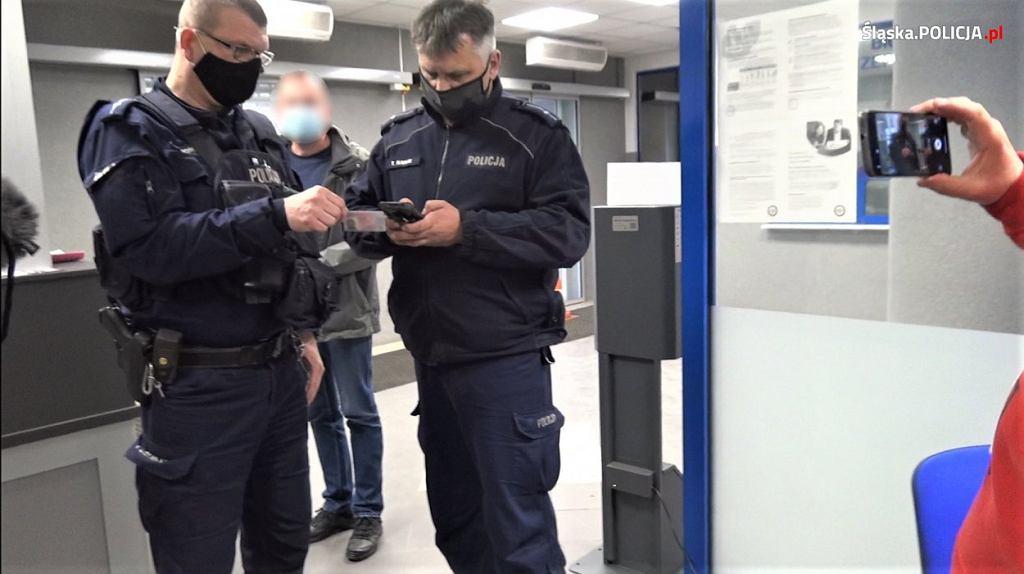 Prokuratura postawiła zarzuty mężczyznom, którzy weszli do szpitala bez maseczek i nagrywali pacjentów oraz personel