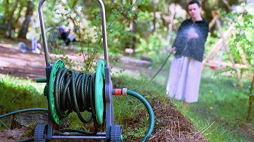 Podlewanie ogródka winduje opłatę za śmieci w Warszawie