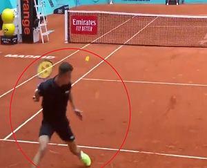 Genialne zagranie w turnieju tenisowym w Madrycie! Jak on to trafił? [WIDEO]