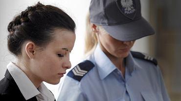 Katarzyna W. słucha uzasadnienia wyroku. Została skazana na 25 lat więzienia