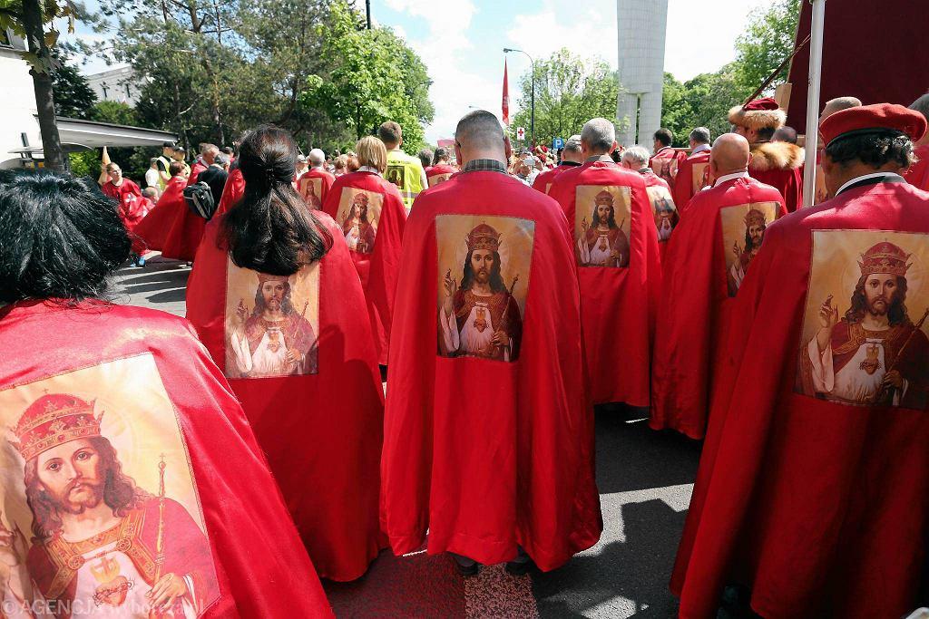 Manifestacja Wiary i Nadziei zorganizowana przez Rycerstwo Chrystusa Króla, Warszawa, maj 2016