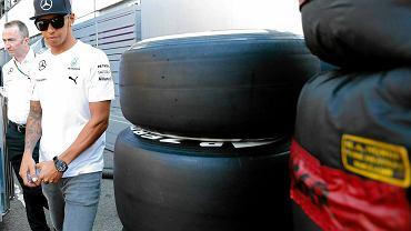 Lewis Hamilton przed pierwszym treningiem na Hungaroringu