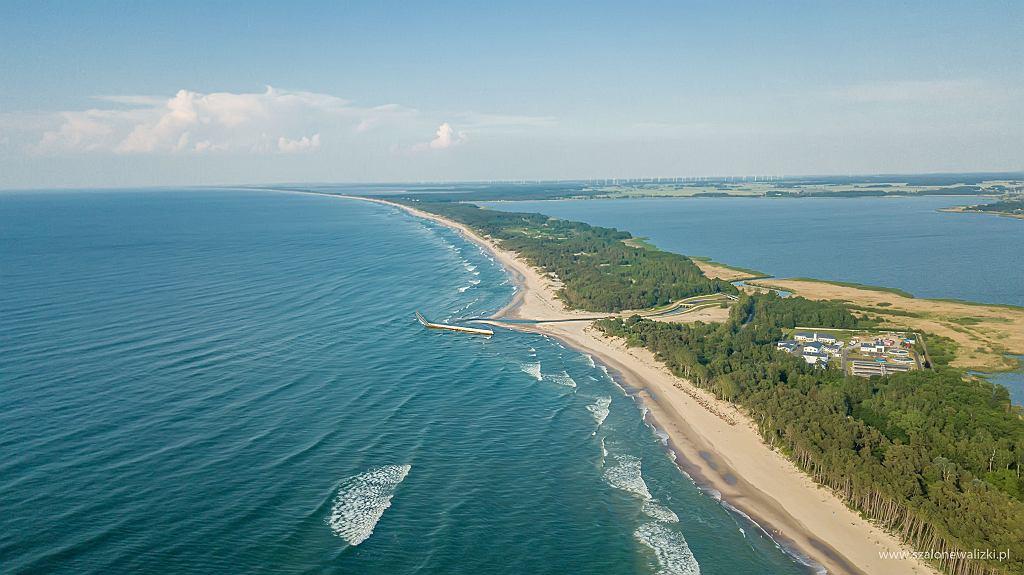 Widok na plażę przy Unieściu, w stronę wschodnią
