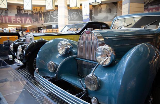 Zdjęcie numer 4 w galerii - Kultowe modele samochodów Bugatti zjechały do Katowic [ZDJĘCIA]