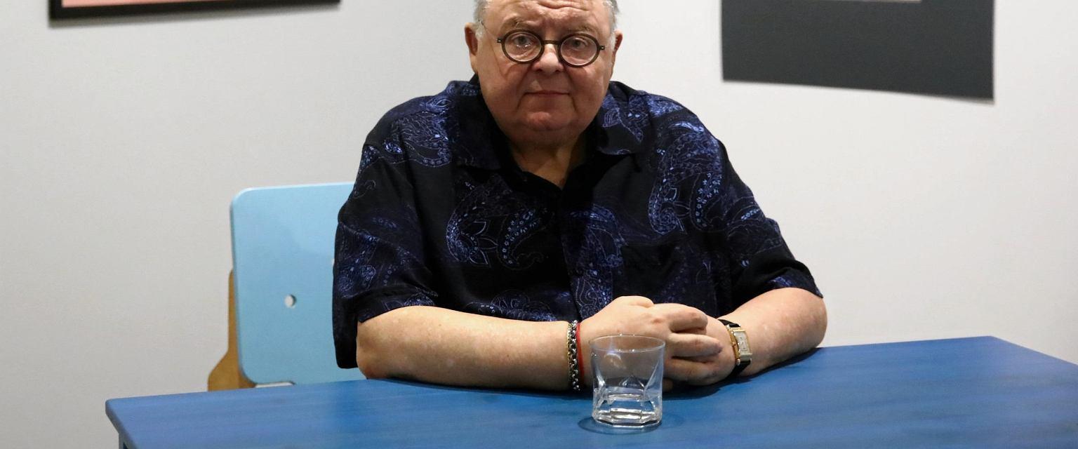 Wojciech Mann podczas spotkania na temat wystawy Kazimierza Manna (fot. Jakub Porzycki / Agencja Gazeta)