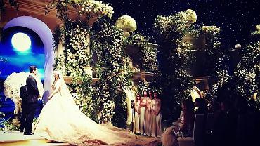 Ślub Lility Osmanowej i Gaspara Awdoljana w Los Angeles, w Teatrze Dolby, gdzie wręcza się filmowe Oscary.