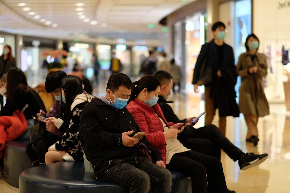 Chińczycy dostosowali się do nakazu noszenia masek