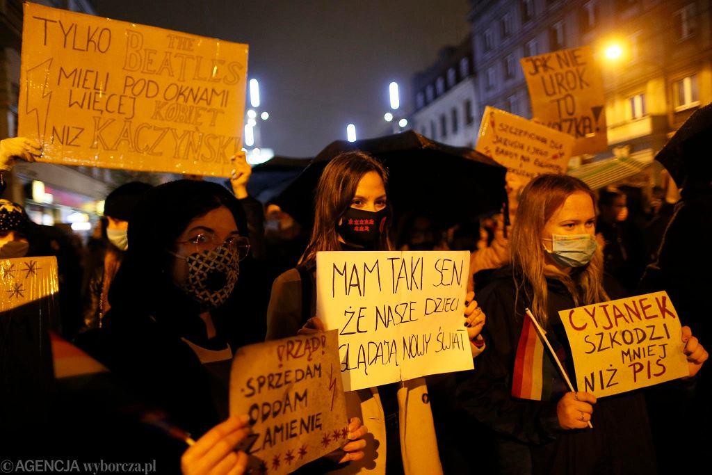 Młodzi ludzie także protestują na ulicach naszych miast