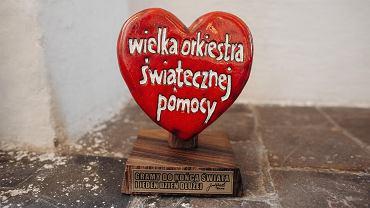 Serce od Jurka Owsiaka na grobie Pawła Adamowicza