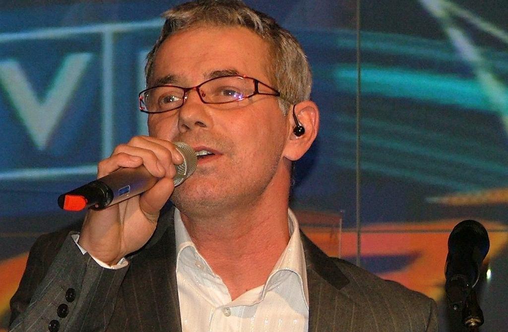 Robert Janowski poprowadzi kolejny sezon teleturnieju 'Jata to melodia', TVP