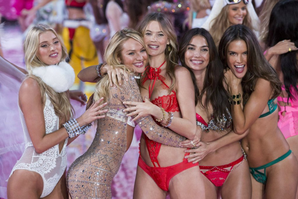 Pokaz Victorias Secret 2015 Dwie Piękne Polki Seksowna
