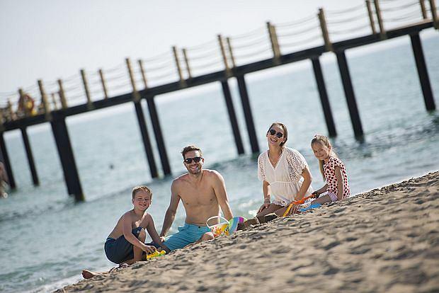 Rodzina na tureckiej plaży