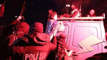 Protest w Warszawie. Zatrzymano trzy osoby, w tym 78-latkę