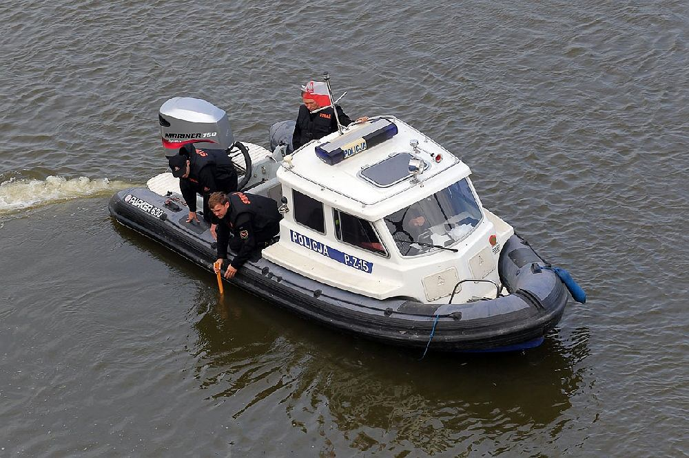 Strażacy i policja prowadzą poszukiwania w Wiśle