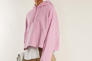 Postaw na pastelowy róż! Bluzy w tym kolorze to hit - mamy super modele