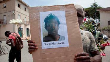 Protest migrantów w San Ferdinando po zabójstwie Soumaila Sacko.