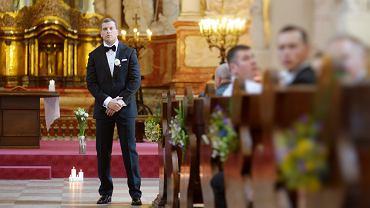 Takiego ślubu nikt się nie spodziewał. Na ceremonii pojawili się zaskakujący goście i skradli całe show