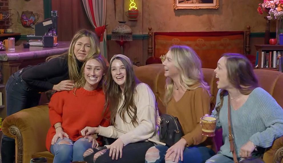 Jennifer Aniston Scares Fans at Central Perk