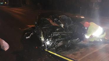 Pijany kierowca jechał 150 km/h, zatrzymał się dopiero na płocie
