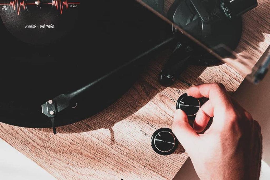 Piękny gramofon do 300 złotych? To możliwe. A co kupić mając większy budżet?