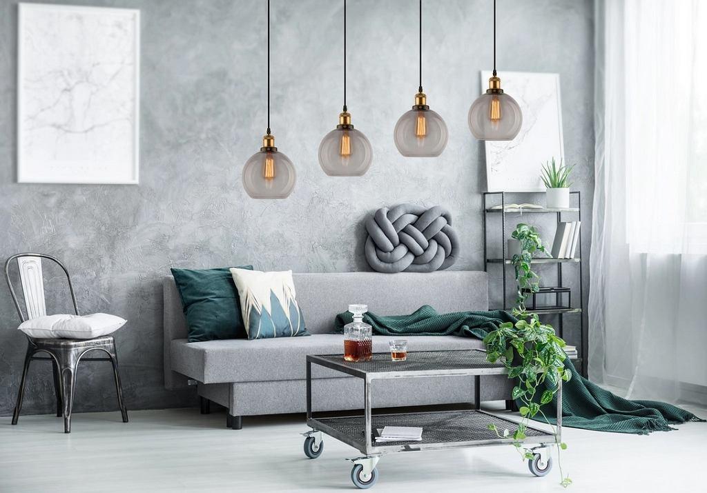 Nowoczesne lampy sufitowe w salonie