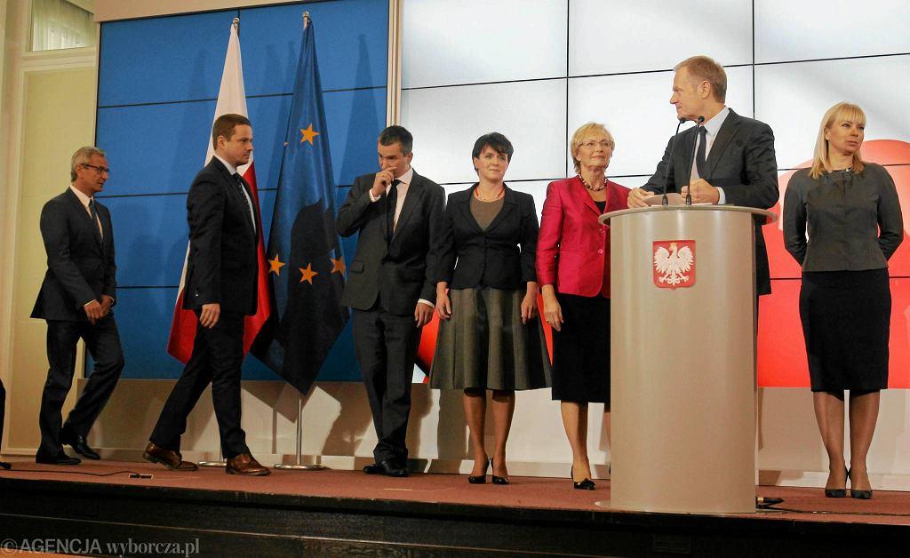 Premier Donald Tusk i nowi ministrowie
