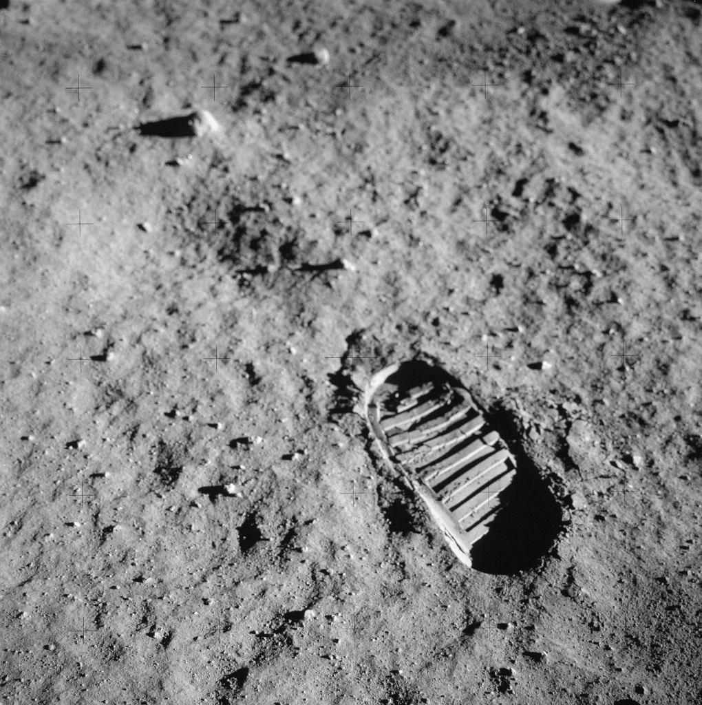 Odcisk buta na Księżycu z misji Apollo 11