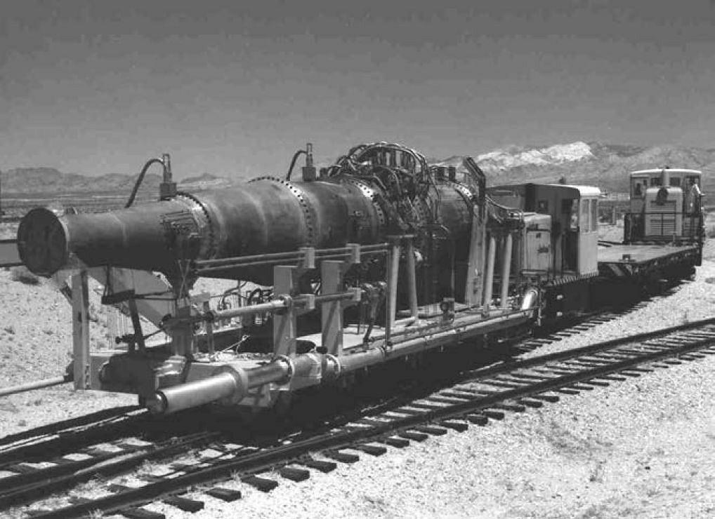 Prototypowy reaktor Tory-IIC podczas testów na pustyni w USA