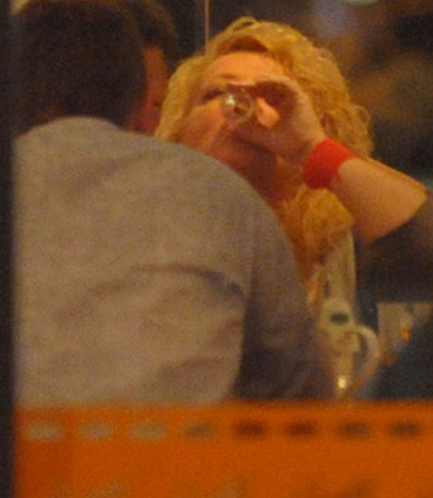 Magda Gessler, wódka, pije, toast