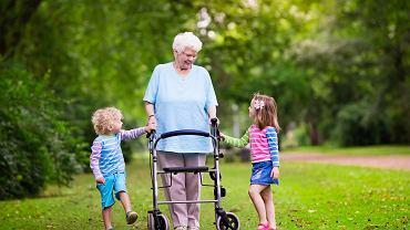 Program Babcia plus gwarancją dodatkowych pieniędzy dla seniorów. Marlena Maląg: Ciekawe rozwiązanie, realizowane na już Węgrzech