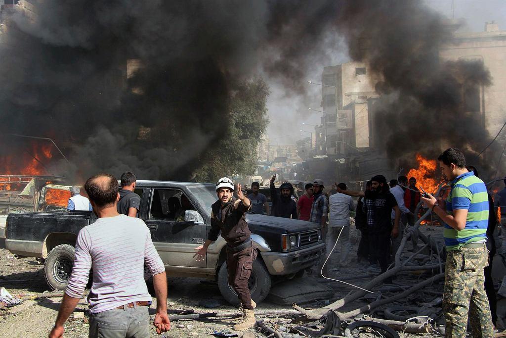 Skutki nalotu w prowincji Idlib w Syrii