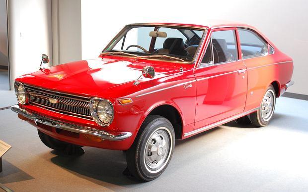 Pierwsza generacja Toyoty Corolli (egzemplarz z 1968 roku):