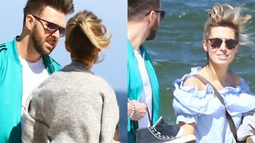 Paparazzo spotkał Agnieszkę Hyży z mężem na sopockiej plaży. Para nie szczędziła sobie czułości. Między nimi ciągle iskrzy! Zobaczcie zdjęcia z ich spaceru.