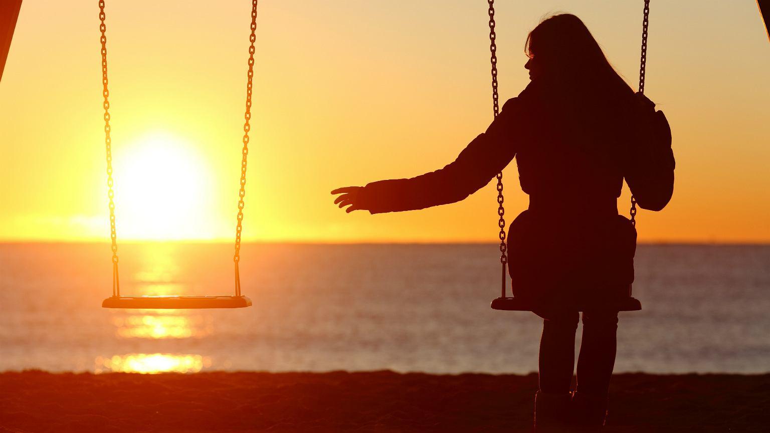 Aplikacje randkowe karmią się ludzkim cierpieniem i samotnością (fot: Shutterstock)