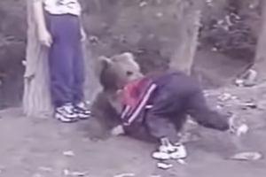 UFC. Khabib Nurmagomiedow jako 9-latek walczył z niedźwiedziem [WIDEO]