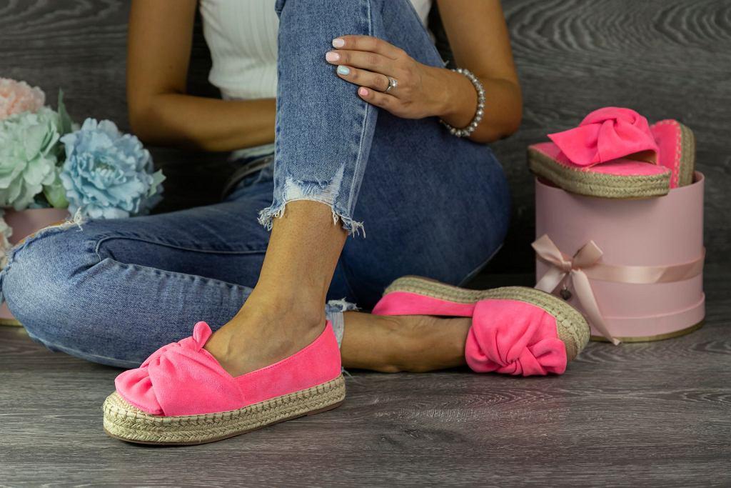 Espadryle. Modne buty damskie na lato