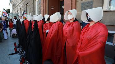 24.07.2020 Warszawa , ulica Zielna . Protest pod siedziba Ordo Iuris w związku z planem wypowiedzenia przez Polskę konwencji antyprzemocowej .