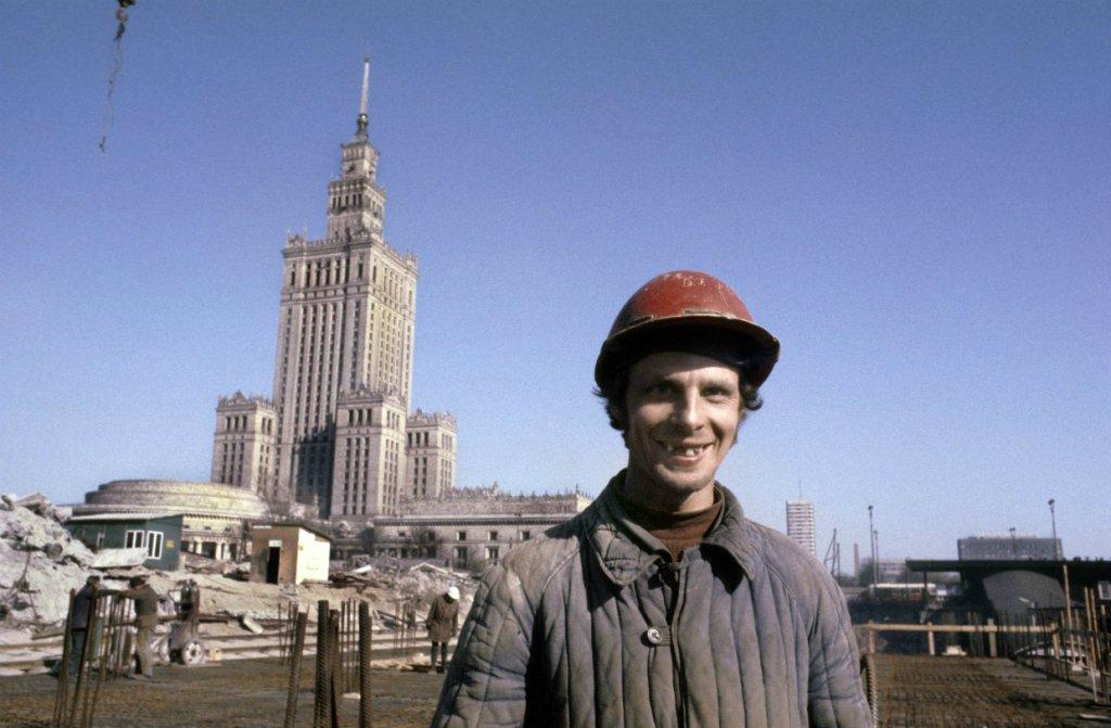Niezwykła wystawa zdjęć Chrisa Niedenthala i rzeźb Tomasza Górnickiego na Nowogrodzkiej