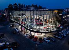 W Krakowie powstał jeden z największych samochodowych salonów sprzedaży w Europie. Liczby robią wrażenie