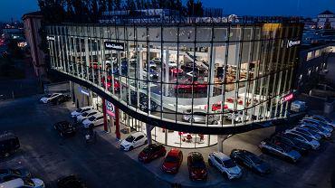 Salon samochodowy Toyota i Lexus Romanowski