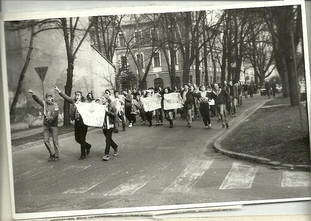 Zdjęcie numer 5 w galerii - Ponad ćwierć wieku temu do Żywca przyjechali hippisi z całej Polski [ARCHIWALNE ZDJĘCIA]