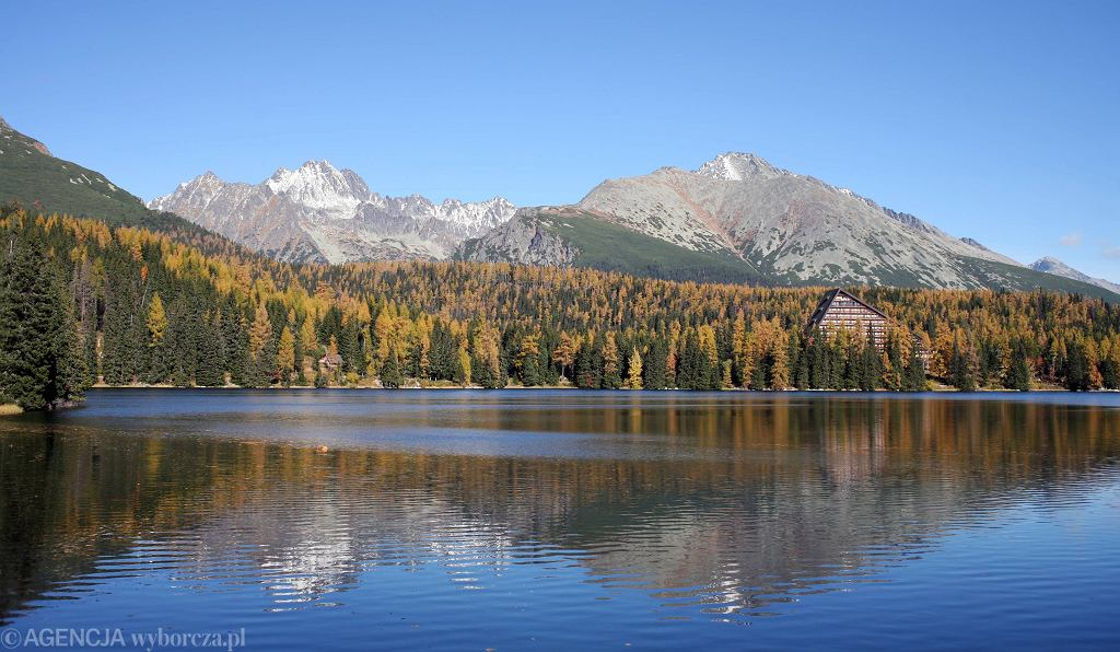 Szczyrbskie Jezioro w Tatrach (zdjęcie ilustracyjne)