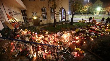 1 listopada. Siedziba PiS przy ul. Mickiewicza w Szczecinie