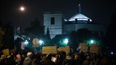 Sondaż o aborcji. 24 proc. Polaków za całkowitą legalizacją aborcji