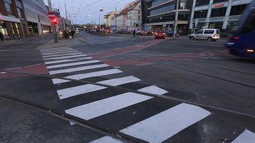 Przejście dla pieszych na skrzyżowaniu ulic Ruskiej i Kazimierza Wielkiego