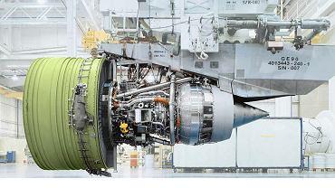 GE90 - największy silnik w historii lotnictwa.
